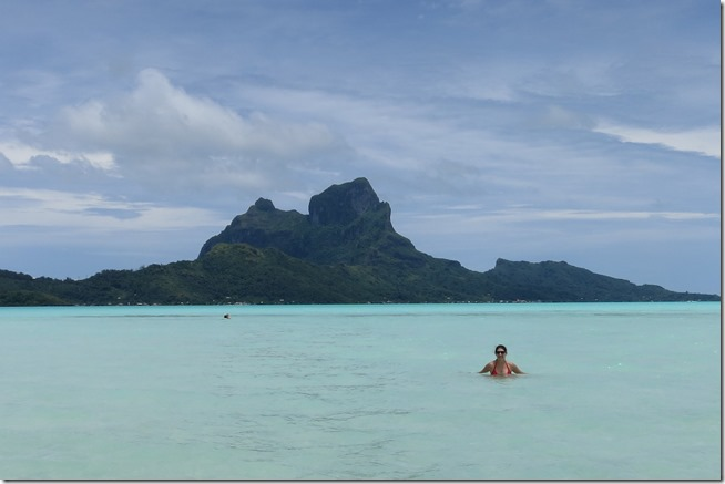 Bora Bora swimming