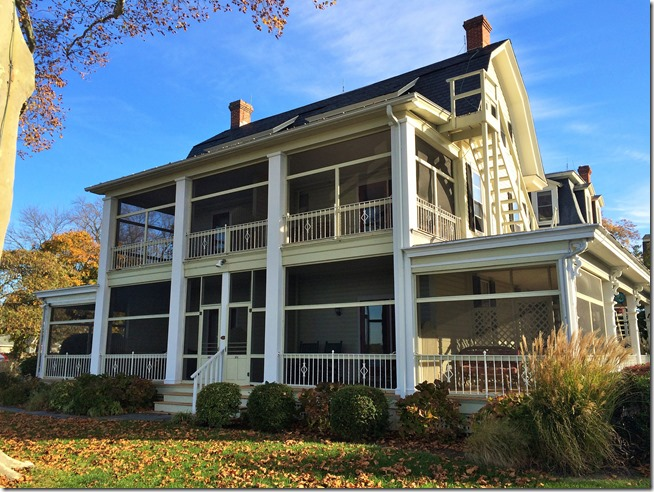 Sandaway Waterfront Lodging Oxford main house