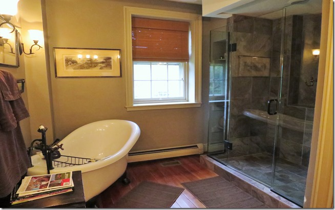 Stoney Creek Farm Equestrian Room Bathroom