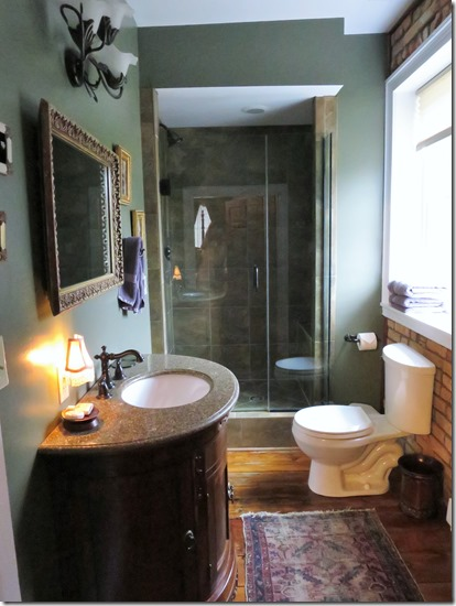 Stoney Creek Farm empire bathroom