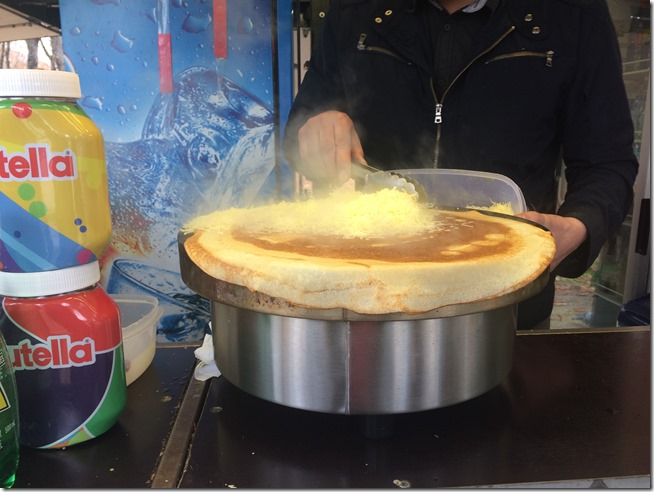 Paris in a Day making crepes